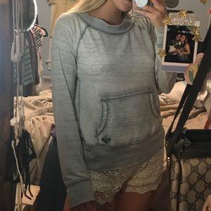 Roxy sweater 🍒